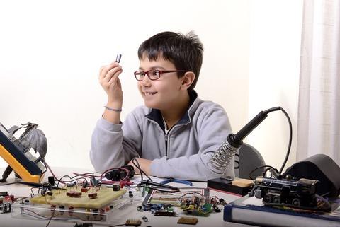 hardware incubator maker